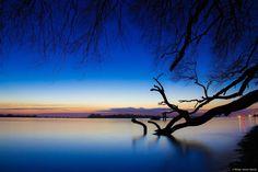 © Blende, Dennis Stracke, Blaue Stunde auf der #Elbe #Fotowettbewerb #Landschaftsfotografie