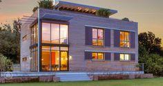 Bauhaus-Architektur mit Credo Holzverschalung Bauhaus Modern Living vom Ökohaus-Pionier Baufritz