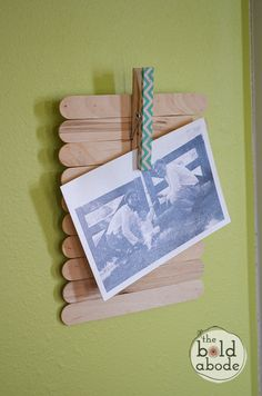 Cute Popsicle/clothespin frame. I can see using this in camp - kids could write…
