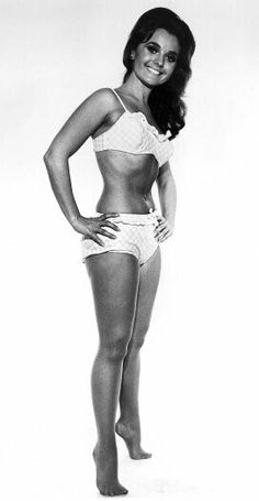 Soooo Innocent, Juicy and Delicious to eat, Dawn Wells - Mary Ann Summers on Gilligan's Island Hollywood Glamour, Hollywood Stars, Classic Hollywood, Old Hollywood, Merle Oberon, Shirley Jones, Veronica Lake, Judy Garland, Mary Ann And Ginger
