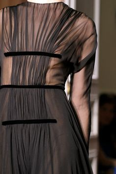 Valentino Fall 2012 Couture Fashion Show Details