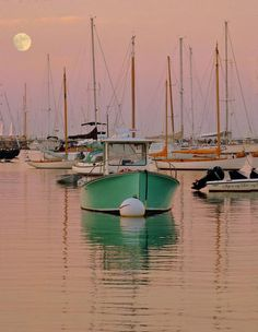 Boats and water Beautiful Sunset, Beautiful World, Beautiful Images, Water Time, Sailing Trips, Boat Painting, Nature Images, Natural World, Places To Go
