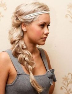 Braided Hairstyles For Medium Hair is incredibly practical – the hair from the face and the hair still looks very nice. How do you spice up your medium hair braided hairstyles, you can read here. Pretty Hairstyles, Braided Hairstyles, Wedding Hairstyles, Grecian Hairstyles, Headband Hairstyles, Latest Hairstyles, Homecoming Hairstyles, Summer Hairstyles, Greek Goddess Hairstyles
