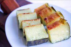 Kuih Bengka ( Tapioca/Cassava Cake) Ingredients: 1kg finely grated cassava (tapioca) 4 cups sugar 1