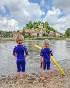 Looking for ideas of what to do in the Dordogne with kids? Suggestions here of things to do including water fun and prehistoric adventures. Kanken Backpack, Prehistoric, Holiday Ideas, Things To Do, Adventure, Water, Fun, Kids, Fashion