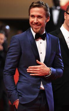 Gorgeous 27 Cool and Fashionable Dark Blue Suit for Men from https://www.fashionetter.com/2017/04/14/27-cool-fashionable-dark-blue-suit-men/