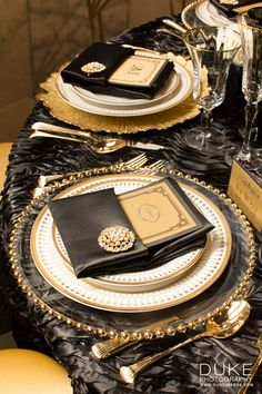 Black and Gold Glamour Great Gatsby Wedding, Gatsby Party, Gold Wedding, Black And Gold Theme, Black White Gold, 60th Birthday Party, Birthday Dinners, Wedding Themes, Wedding Decorations