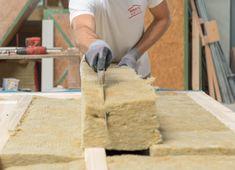 Bei Hartl Haus verwenden wir Mineralwolle-Dämmung. Butcher Block Cutting Board, Montage, Carpentry