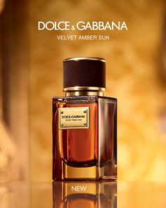 The new opulent and woody scent to join the Velvet Collection is Velvet Amber Sun, a fragrance enhancing the amber accord and gold-hued ingredients. Perfume Parfum, Perfume Bottles, Dolce And Gabbana Perfume, Expensive Perfume, Top Perfumes, Best Fragrances, Perfume Collection, Body Spray, Charms