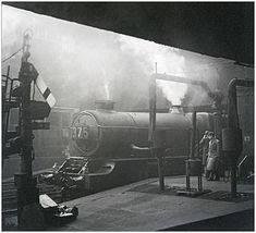 'Atmosphere' Snow Hill (pjs,0710) | Steam and smoke combine … | Flickr Train Pictures, Pictures To Draw, Steam Trains Uk, Birmingham City Centre, Steam Railway, Birmingham England, Train Times, British Rail, Mountain Bike Trails