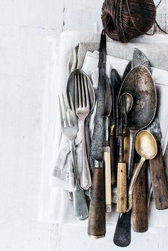 Vintage utensils for food photography Serving Utensils, Kitchen Utensils, Kitchen Tools, Rustic Kitchen, Vintage Kitchen, Kitchen Decor, Rustic Cafe, Rustic Logo, Rustic Cottage