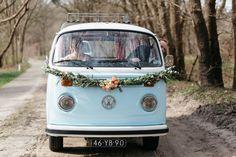 De Volkswagenbus als leverancier voor jullie bruiloft? Bekijk hier foto's, mogelijkheden en prijzen voor De Volkswagenbus. Ervaring met De Volkswagenbus? Deel hem met anderen!
