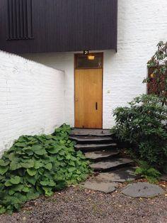 Entrance of Alvar Aalto's private house and studio, Helsinki. Photo: Philipp Mainzer, 2013 #AlvarAalto #e15