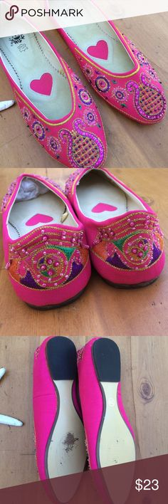 MDMG Shoes Fun for summer great condition very pretty MGMD Shoes Flats & Loafers