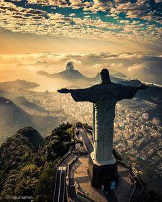 Christ the redeemer view ✨ Rio de Janeiro, Brazil. Photo by Christ the redeemer view ✨ Rio de Janeiro, Brazil. Photo by Places To Travel, Places To See, Travel Destinations, Travel Stuff, Time Travel, Wonderful Places, Beautiful Places, Christ The Redeemer Statue, Jesus Christ