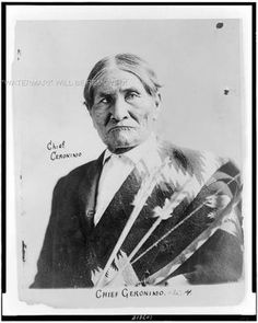 Chiricahua Indians--Clothing & Date Created/Published: Summary: Geronimo, Apache leader, head-and-shoulders portrait, facing slightly left, holding bow and arrows. Native American Pictures, Native American Tribes, Native American History, American Indians, Indian Pictures, Indian Tribes, Native Indian, Apache Indian, Blackfoot Indian