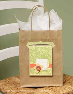 AVEC PORTE-CARTE - A new way to decorate your gift bags with handmade cards. cool idea!