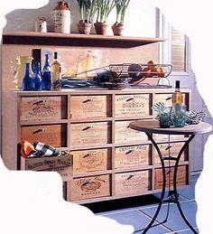 Meuble avec caisses à vin