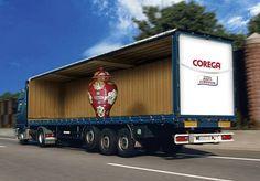 Propaganda em caminhão para Corega