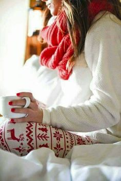 holiday pajamas w/ that belly showing Cute Christmas Outfits, Cottage Christmas, Christmas Pajamas, Cozy Christmas, Christmas Colors, Christmas Morning Outfit, Christmas Medley, Xmas, Christmas Nails