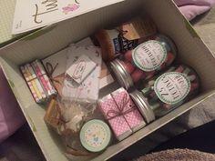 Una caja llena de sorpresas dulces y con 25 motivos para sonreír ✨
