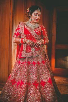 #SABYASACHI #Sabyasachibride #indianbride #bridalportrait Indian Wedding Gowns, Indian Bridal Wear, Punjabi Bride, Sabyasachi, Bridal Lehenga, Outfit Posts, Curvy Fashion, Indian Fashion, Lifestyle Blog