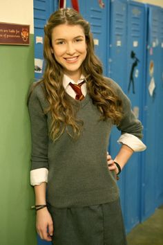 Still of Nathalia Ramos in Anubis Evi Cute Skirt Outfits, Cute Skirts, Girl Outfits, House Of Anubis, School Girl Dress, School Uniform Girls, Nickelodeon The Thundermans, Nickelodeon Girls, Girl Number For Friendship