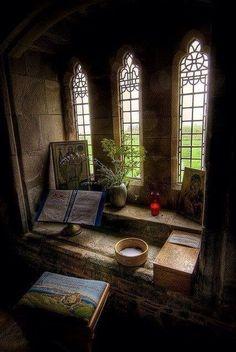 Stanza di meditazione nell'Abbazia di Lona in Scozia (Isle of Mull)