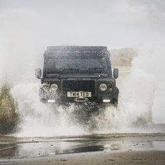 The Twisted lifestyle is all about challenging the norm (and making a splash!)       Image @weare8seconds            #LandRoverDefender #AntiOrdinary #Defender #TwistedDefender #LandRover #4x4 #Lifestyle #Style #DefenderRedefined #Handcrafted #Handmade #Customised #Modified #BestOfBritish #Classic #OffRoading #OffRoad