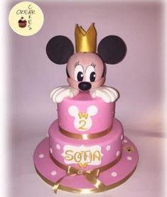 Torta di compleanno Minnie creata da Crearcakes
