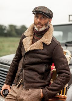34 Spring 2019 Fashion Ideas for Men Over 50 Shearling Jacket, Leather Jacket, 1920 Outfits, Traje Casual, Outfit Invierno, Mens Trends, Spring Jackets, Christen, Gentleman Style