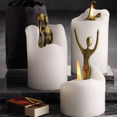 I have been looking for these for a little while now...candles with sculptures inside...still can't find:(