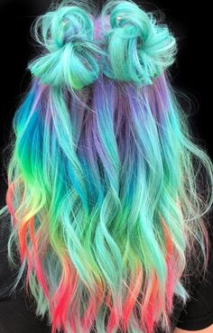 Haare & Frisuren DIY 60 Amazing Green Ombre Hairstyle Design To Try In 2019 wholesale sexy lingerie Cute Hair Colors, Pretty Hair Color, Beautiful Hair Color, Hair Dye Colors, Ombre Hair Color, Blue Ombre, Amazing Hair Color, Dyed Hair Ombre, Awesome Hair