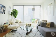 A Lovely Redesign for Lover.ly's Founder - Kellee Khalil's Financial District apartment is airy, soft and comfortable. - @Homepolish New York City