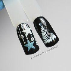 Зимний маникюр Chrismas Nail Art, Nail Art Noel, Rose Nail Art, Rose Nails, Xmas Nails, Holiday Nails, Halloween Nails, Christmas Nails, Creative Nail Designs