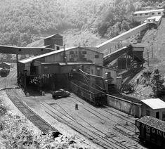 Grey Wallpaper Iphone, Steel Mill, Railroad History, Railroad Photography, Old Trains, Train Pictures, Family Roots, Coal Mining, Model Trains