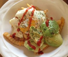 Breakfast Poutine How To Cut Avocado, Cheese Curds, Poutine, Grated Cheese, French Fries, Mcdonalds, Hot Sauce, Superfood, Crisp