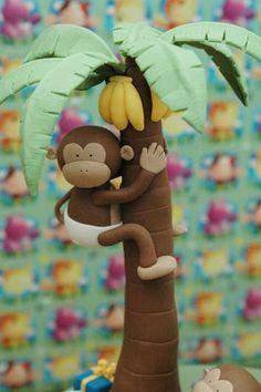 the cupcake gallery - kids' birthday - jungle safari Jungle Safari Cake, Jungle Theme Cakes, Safari Cakes, Safari Party, Jungle Party, Fondant Toppers, Fondant Cakes, Cupcake Cakes, Zoo Cupcakes