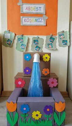 Preschool classroom, activities for kids, classroom decor, science for kids Kids Crafts, Preschool Activities, Diy And Crafts, Class Decoration, School Decorations, Classroom Displays, Classroom Decor, Science For Kids, Art For Kids