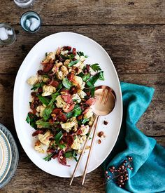 Chorizo, roasted cauliflower and almond salad : : Australian Gourmet Traveller Gourmet Salad, Gourmet Recipes, Cooking Recipes, Healthy Recipes, Chorizo Recipes, Venison Recipes, Cooking Ideas, Roasted Cauliflower Salad, Clean Eating