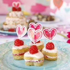 Fitness malinové jednohubky - zdravý recept Bajola Valentýn Trifle, Granola, Nutella, Cheesecake, Fitness, Desserts, Miniature, Food, Art