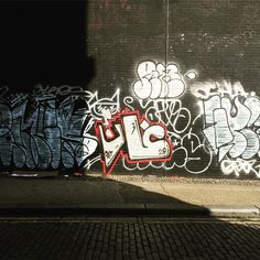 Trip to #ShoreditchHouse shows u done weird and wonderful things. #PutYourRecordOn #tags #stickertags #graffiti #streetart #shoreditch #london #eborstreet