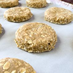Old Fashioned Oatcakes. Perfect for quick breakfasts or packed lunches, these old fashioned oatcakes can be made plain or with lightly spiced flavour. Breakfast Bars, Breakfast Cookies, Breakfast Recipes, Breakfast Time, Scottish Recipes, Irish Recipes, Scottish Oat Cakes, English Recipes, Tea Cakes