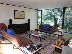 Moore House (Craig Ellewood, 1964) Mid-century Interior, Interior Design, Moore House, Vintage Interiors, Barcelona Chair, Outdoor Furniture, Outdoor Decor, Sun Lounger, Mid-century Modern