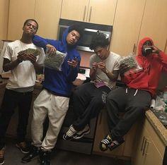 ✨Pinterst @Blessed187✨ Cute Lightskinned Boys, Cute Black Guys, Black Boys, Bff Goals, Best Friend Goals, Squad Goals, Fine Boys, Fine Men, Thug Style