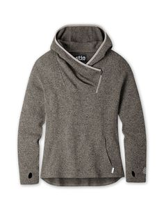 Made with 100% supply-chain-verified recycled material, this style presents a modern take on the classic hoodie. | Stio | Women's Sweetwater Fleece Hoodie, in Scorched Rock Fleece Hoodie Women, Casual Outfits, Cute Outfits, Cozy Fashion, Women's Fashion, Fashion Tips, Dressed To The Nines, Colorful Hoodies, Vest Jacket
