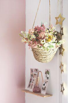 @kriboute #flowers #champetre #fleurs #romantic #love #lifestyle #homedecor #home #amour #pastel #boheme #panier #wood #nature @maisonsdumonde