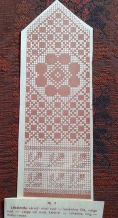 mitts pattern FREE (black square) purple  (white square) white or black  xgreen  opink