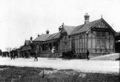 Masterton Railway Station 1910 Train Station, New Zealand, The Past, Street View, Australia, Park, House Styles, Trains, Painting