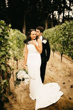 84b19fe2635 You d Never Guess How Much of This Simply Elegant Vista Hills Vineyard  Wedding was DIY